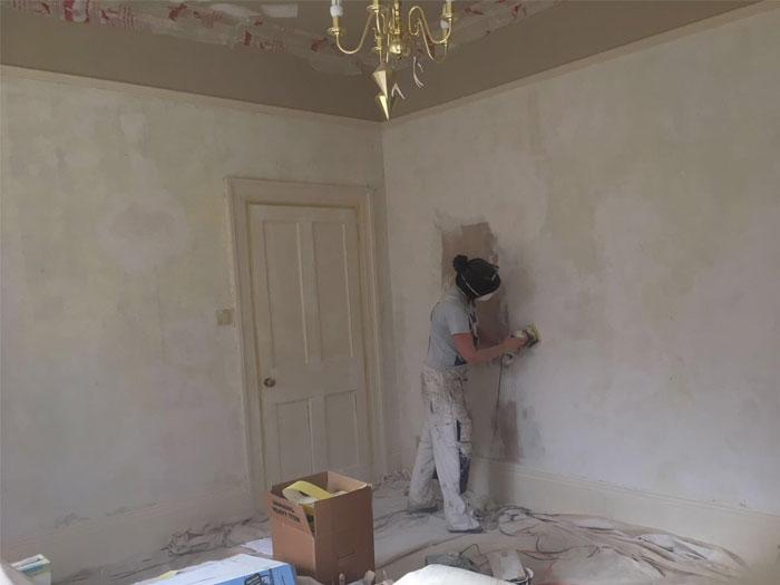 Edwardian house wallpaper preparing the walls